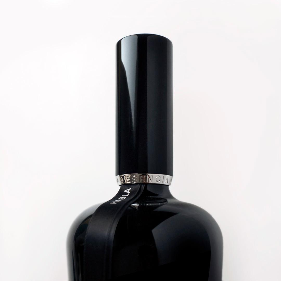 diseño de los vinos Habla - Valentín Iglesias - detalle cápsula esencia de Habla