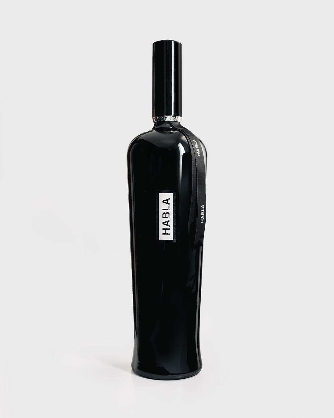 diseño de los vinos Habla - Valentín Iglesias - esencia de Habla magnum